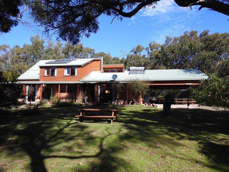 Wisteria - Private Bushland Retreat, Ferienwohnung in Halls Gap