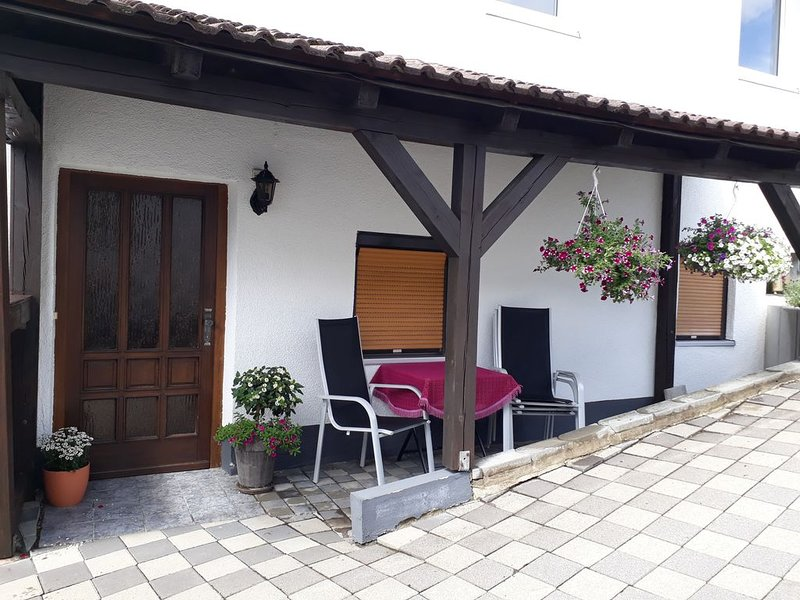 3 Sterne Fewo,4 Personen!  familienfreundlich, ruhige zentraler Lage, neu renov., holiday rental in Kronach