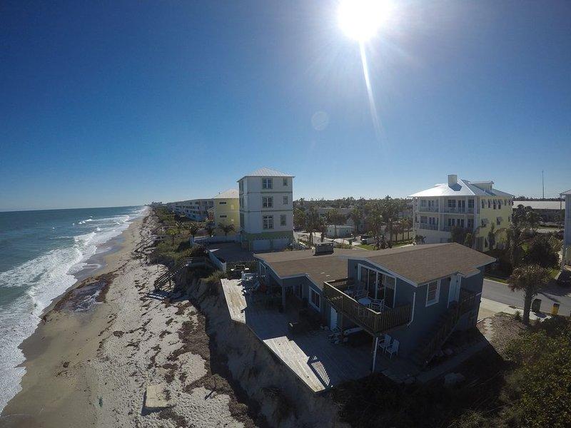 Amazing Apartment On the Beach, alquiler de vacaciones en Satellite Beach