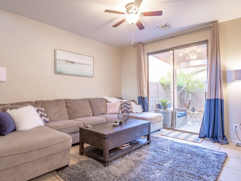 Luxury Home on Tempe/Scottsdale Border--Near Spring Training Fields, vacation rental in Mesa