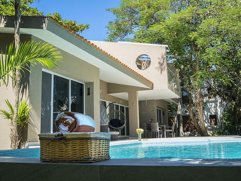 New 3BR hometown FAST WIFI stay 30+night get 30%off, holiday rental in Solidaridad