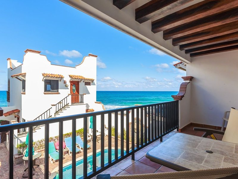 Ocean View Villa 'Saltillo' with a/c and pool     5 min stroll to beach, holiday rental in Playa Mujeres