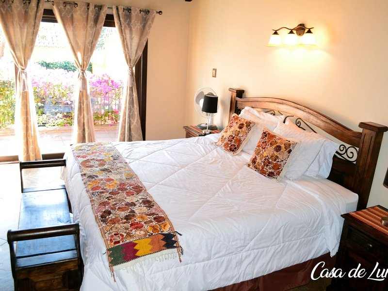Beautiful 3BD + Terrace -Casa De Luna-, alquiler de vacaciones en Chimaltenango Department