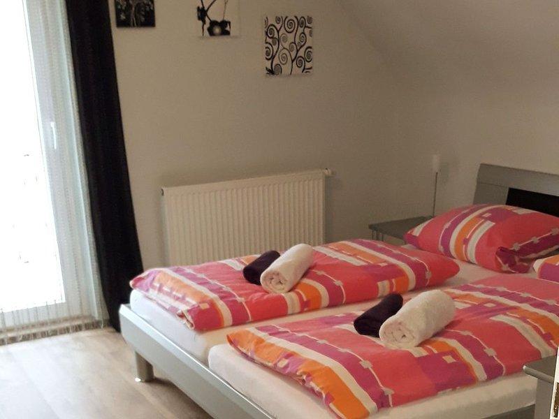 Ferienhaus Brit, 110qm, 3 Schlafzimmer, max. 6 Personen, casa vacanza a Albstadt