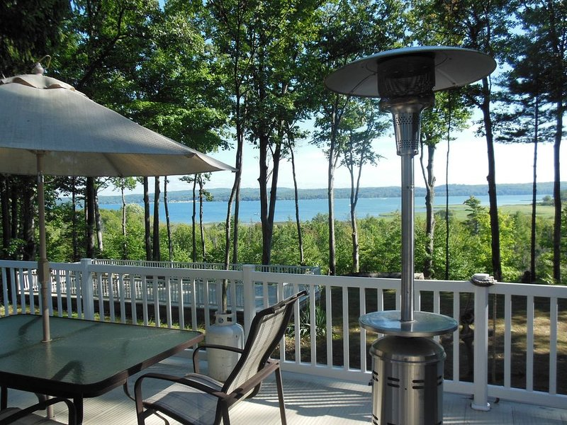 Secluded, lakeview home w/lg yard, sleeps 16, close to beach, holiday rental in Manistee County