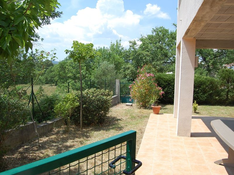 Var Provence Verte - Le Val - 4pers, holiday rental in Le Val