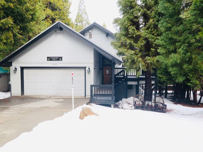 "Silverpine Perch       ""Featured on House Hunters', alquiler de vacaciones en Shaver Lake"
