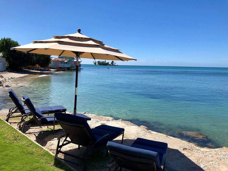 Stunning Beach Front Property in Joyuda, Cabo Rojo, holiday rental in Cabo Rojo