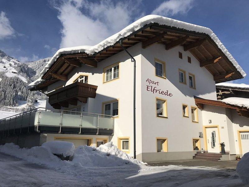 Schönes neues Appartement in Laimach mit WLAN, alquiler vacacional en Hippach