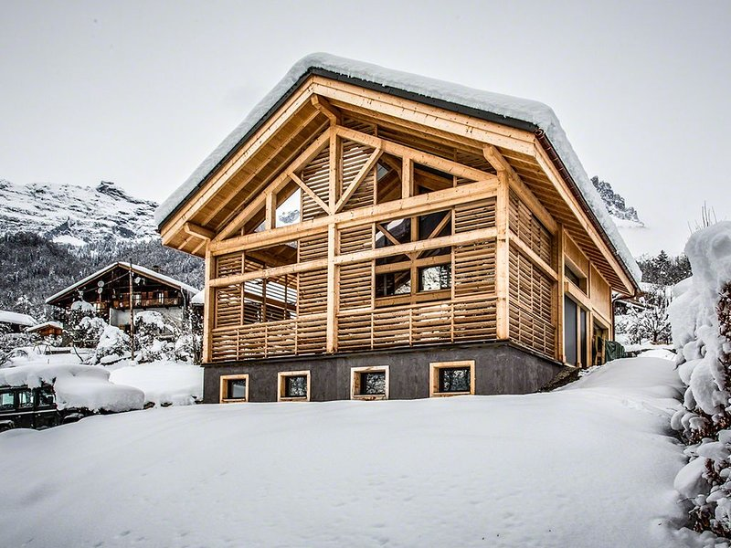 CHALET TOUTBLANC LUX  DESIGN  FACE AU MONT-BLANC, holiday rental in Servoz