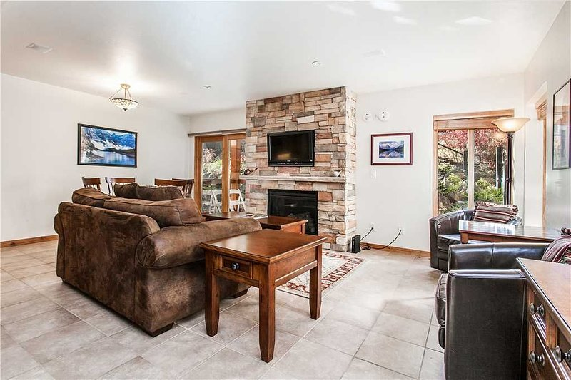 Click to Save 25% Recently remodeled Willows unit just a short walk to Snowmass, location de vacances à Snowmass Village