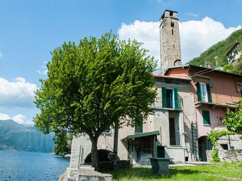 'The House of the Fisherman on Lake Como' Dwelling in Careno, alquiler vacacional en Nesso