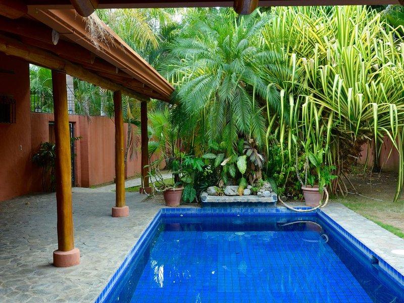 CASA DE LA PAZ: 3  BR, 2  BA House in Jaco, Sleeps 7, holiday rental in Carara