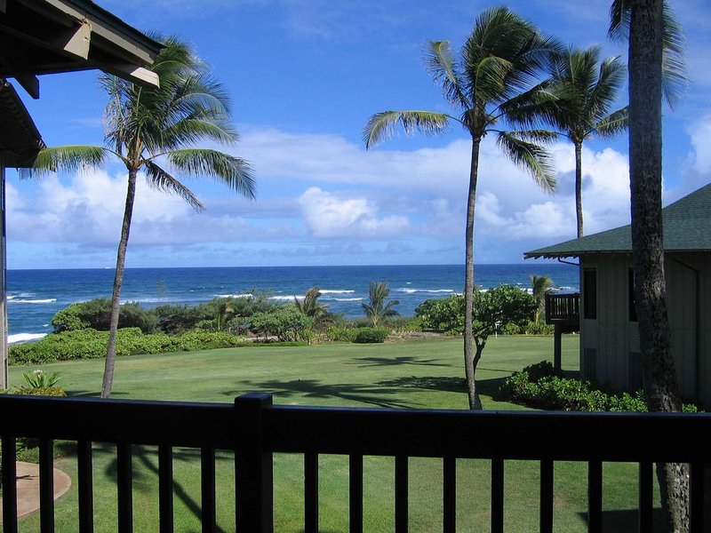 Kaha Lani Resort #214 - 2BR/2BA Wailua, Kauai, HI - see and hear the ocean!, aluguéis de temporada em Lihue