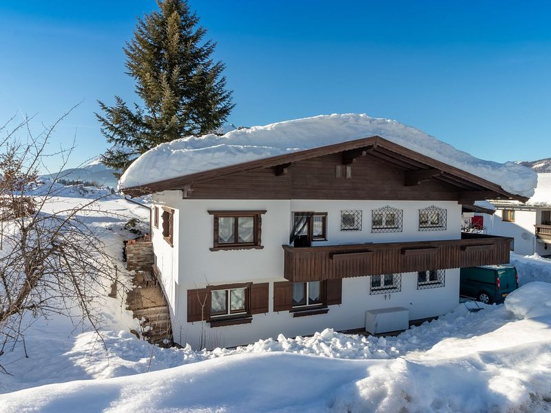 Spacious Holiday Home in St Johann near Ski Area – semesterbostad i St. Ulrich am Pillersee