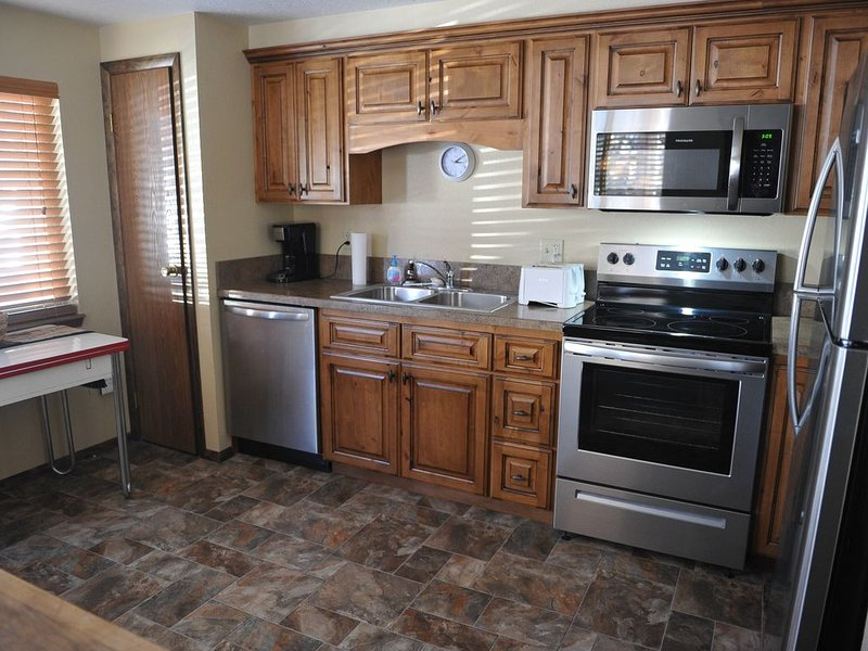 4 bedroom in-town Townhome, Angler's Rest, holiday rental in West Yellowstone