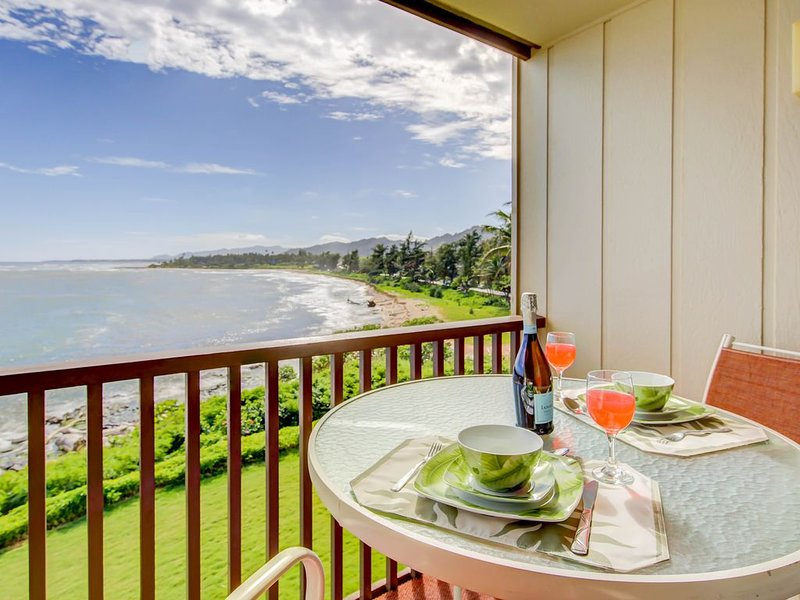 Book with Confidence - COVID-19.  Clean, modern and right next to the ocean!, vacation rental in Kapaa