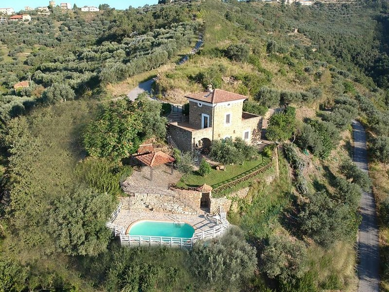 Holiday house San Mauro Cilento for 1 - 5 persons with 2 bedrooms - Holiday home, alquiler de vacaciones en Pioppi