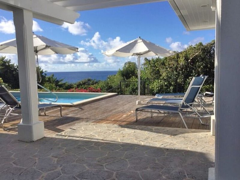 Save 10% Mar. 18- Apr. 12! Ilios-Romantic, Pool, A/C, Convenient to town!, vacation rental in St. John