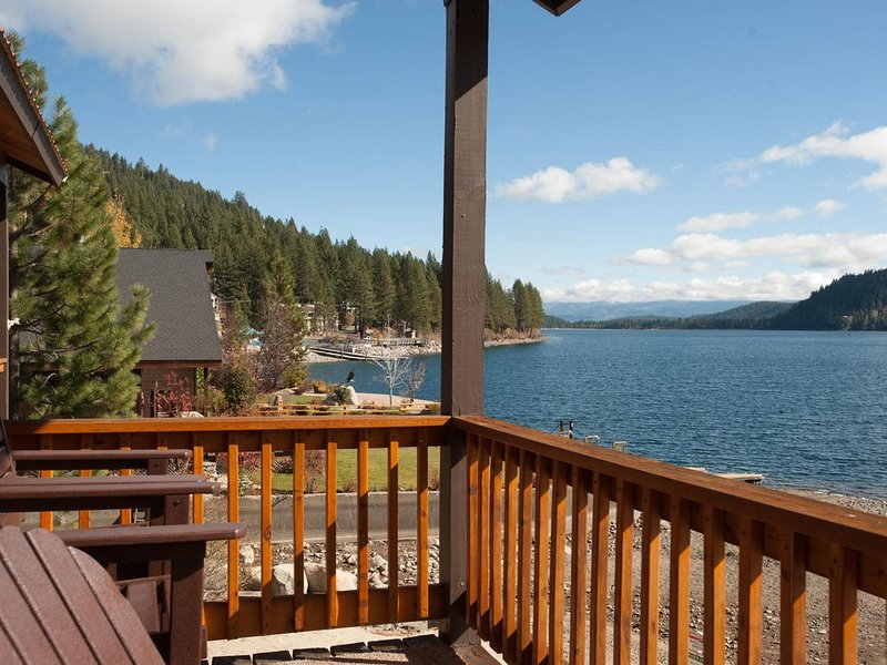 Donner Vista on Donner Lake - 180 degree view, private communal dock!, holiday rental in Truckee