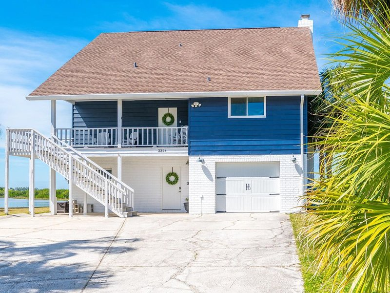 Gulf Front Home with breathtaking views! The perfect get-away!, holiday rental in Hernando Beach