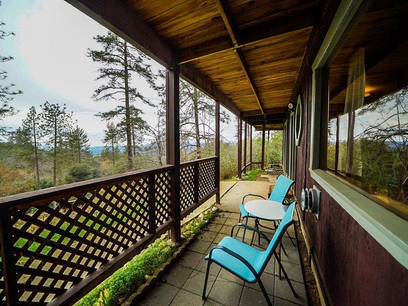 Cellar Master's Suite - Peaceful, Private Suite on Picturesque 5 acres!, alquiler de vacaciones en Calaveras County