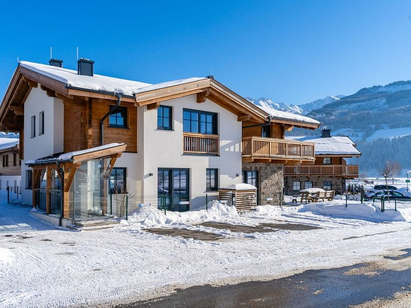 Sophisticated chalet nearby Kaprun with private wellness, holiday rental in Piesendorf