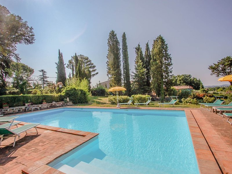 Detached villa with private pool and fenced garden 30km from Orvieto/Spoleto, vacation rental in San Gemini