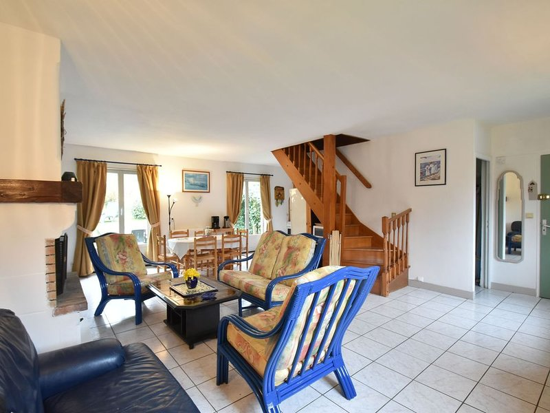 Picturesque Holiday Home in Etretat with Garden, holiday rental in Etretat
