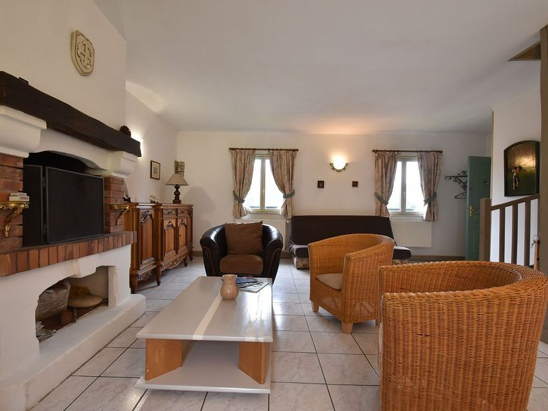 Dreamy Holiday Home in Etretat with Garden, holiday rental in Etretat