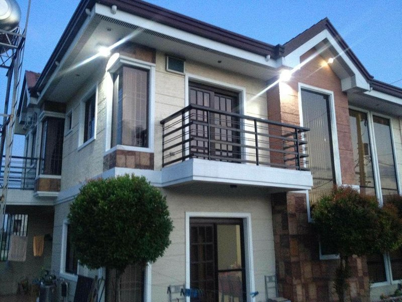 Weaver Family Vacation house, spacious and great for family gathering., vacation rental in Taguig City