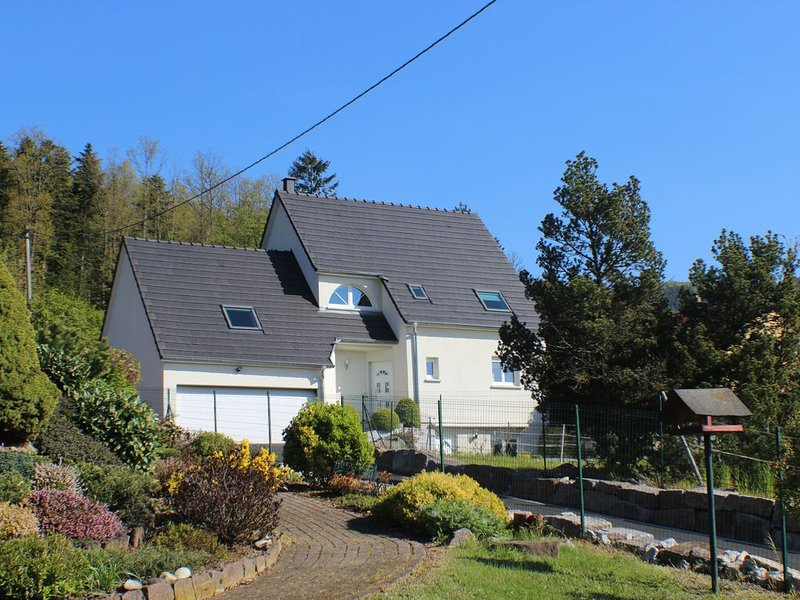 Alsace GITE 3 Etoiles.Tout Confort avec Sauna, holiday rental in Schirmeck