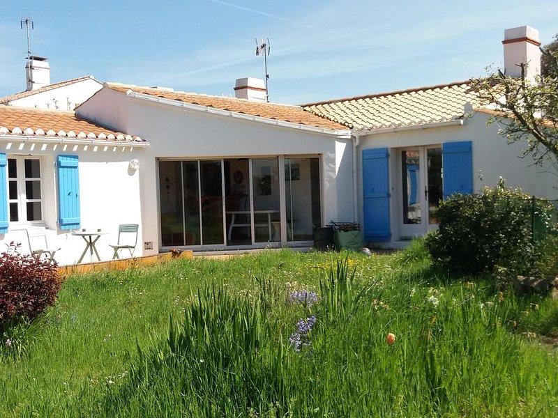 Calme, Sableaux-marais, grand jardin, 10mn plage et centre; wifi gratuit!, alquiler de vacaciones en Noirmoutier en l'Ile
