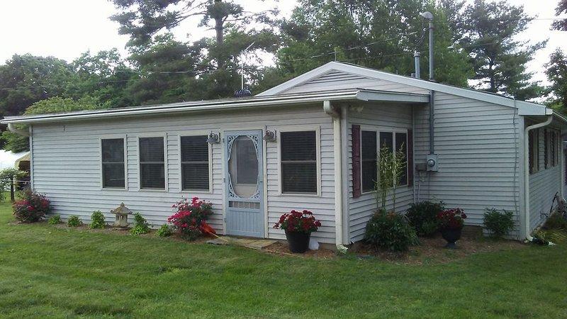 Quiet, Comfy Cottage, location de vacances à Lawrenceburg