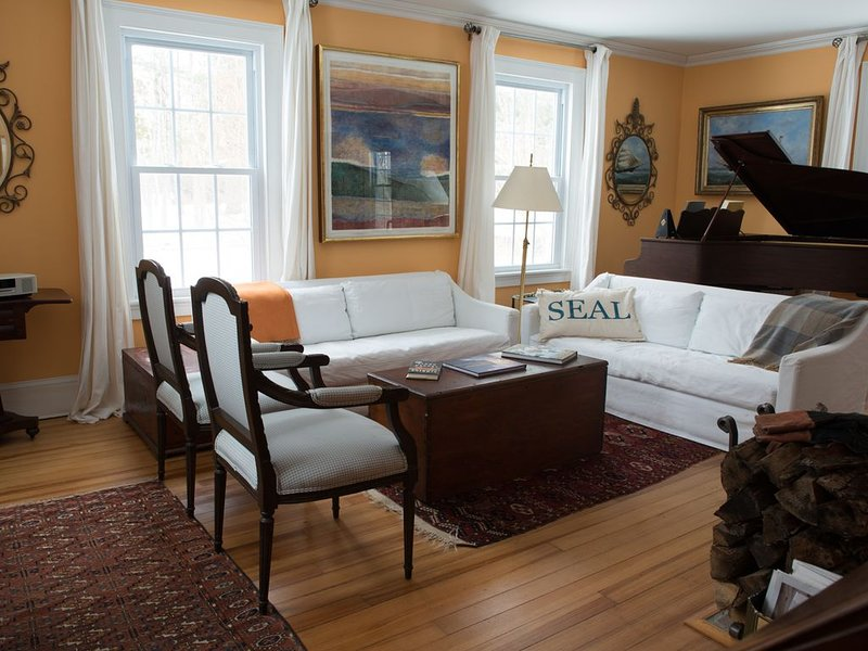 Classic Summer Cottage, Walk To Seal Harbor Beach And Acadia National Park, vacation rental in Seal Harbor