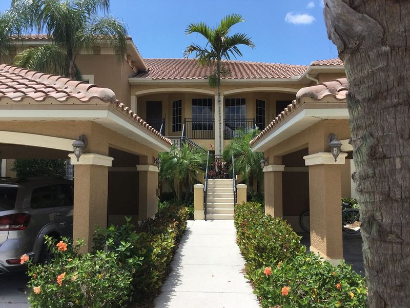 Vasari Country Club with Golf Membership! 30 day minimum stay*** NOW AVAILABLE, holiday rental in North Naples