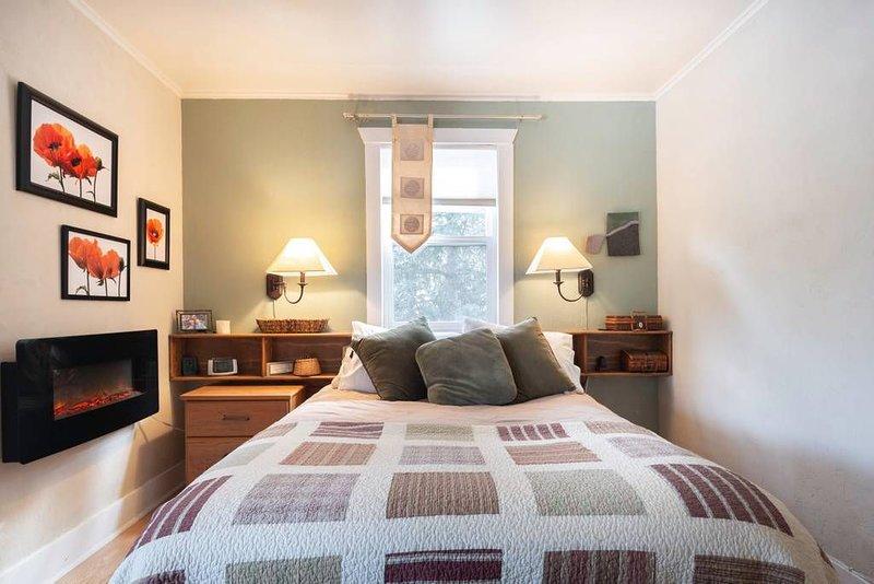 Beautiful, Serene & Private Retreat With Hot Tub, Fire Pit & Great Views, alquiler de vacaciones en Estes Park