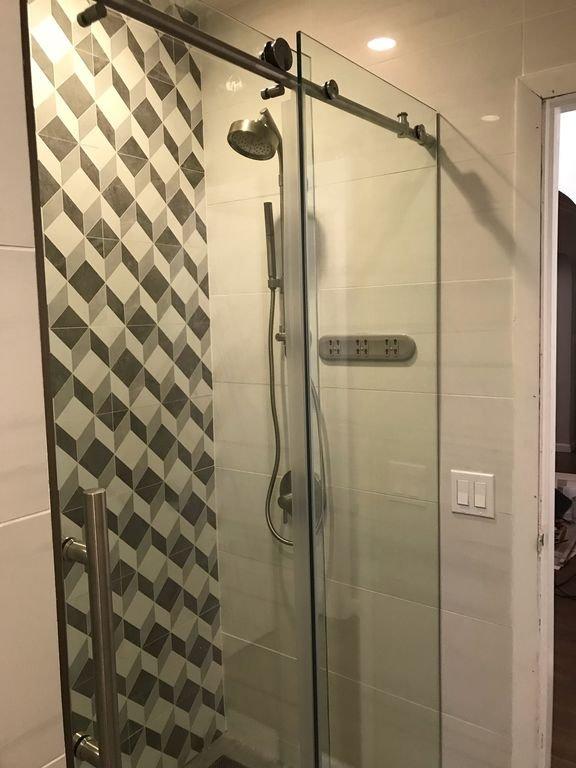 Dusche im März 2019 renoviert