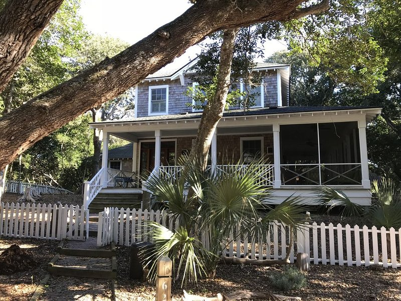 Gorgeous 4 Bedroom Home In Cape Fear Station, vacation rental in Southport