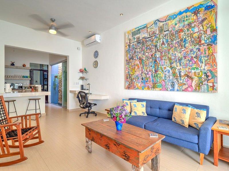 Casa Gatita -- Convenience and Comfort in Santiago with Garage, vacation rental in Merida