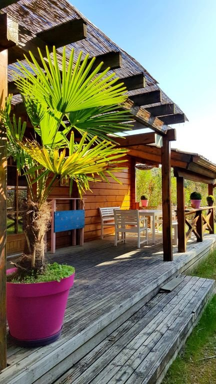 """South facing terrace of """"Beautiful wooden house"""" in Messanges (Landes)"""