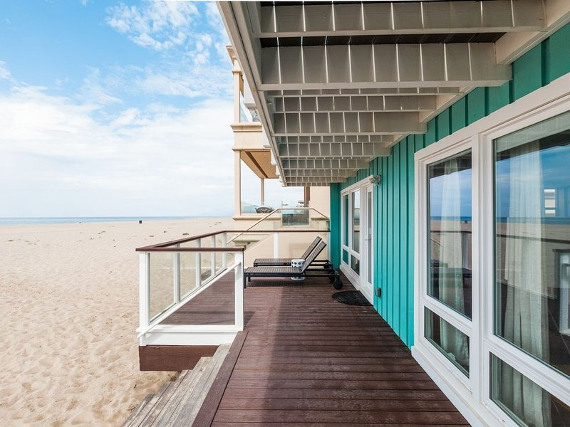 Beach Front Modern Bungalow!, holiday rental in Oxnard