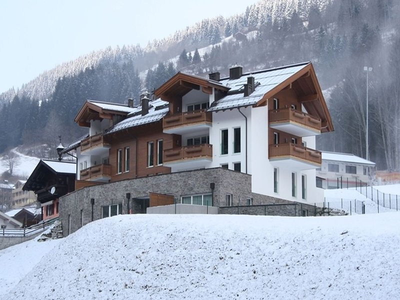 Luxurious Apartment in Saalbach-Hinterglemm near Ski Area, aluguéis de temporada em Saalbach-Hinterglemm