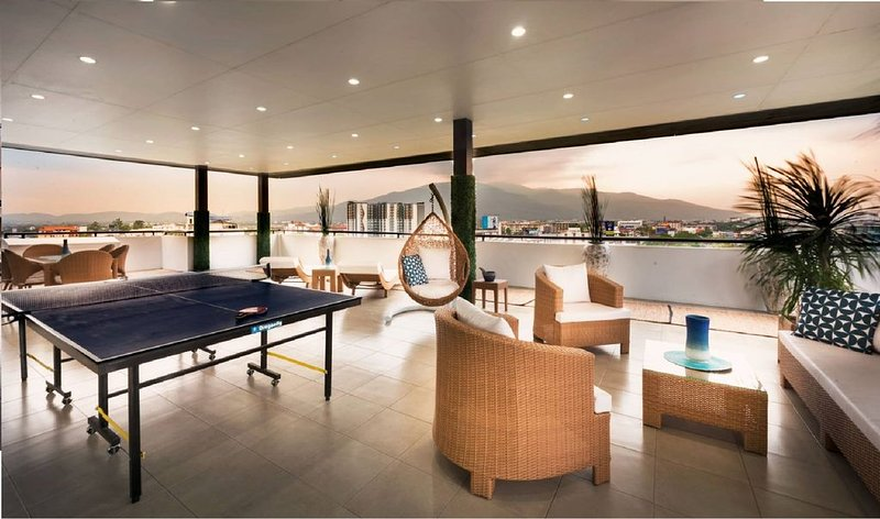 Private Penthouse with an amazing 360° panoramic view!, vacation rental in Chiang Mai