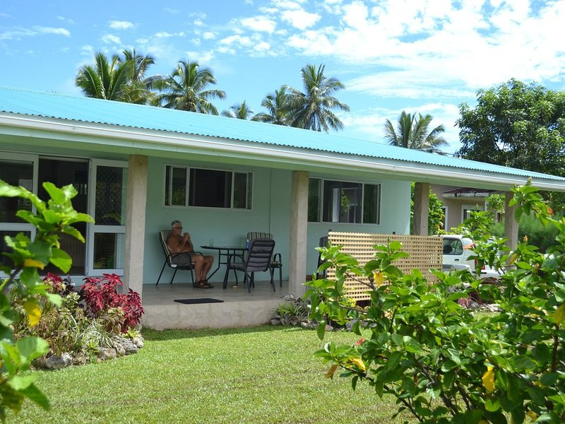 Pacific family villa with own pool, Ferienwohnung in Avarua