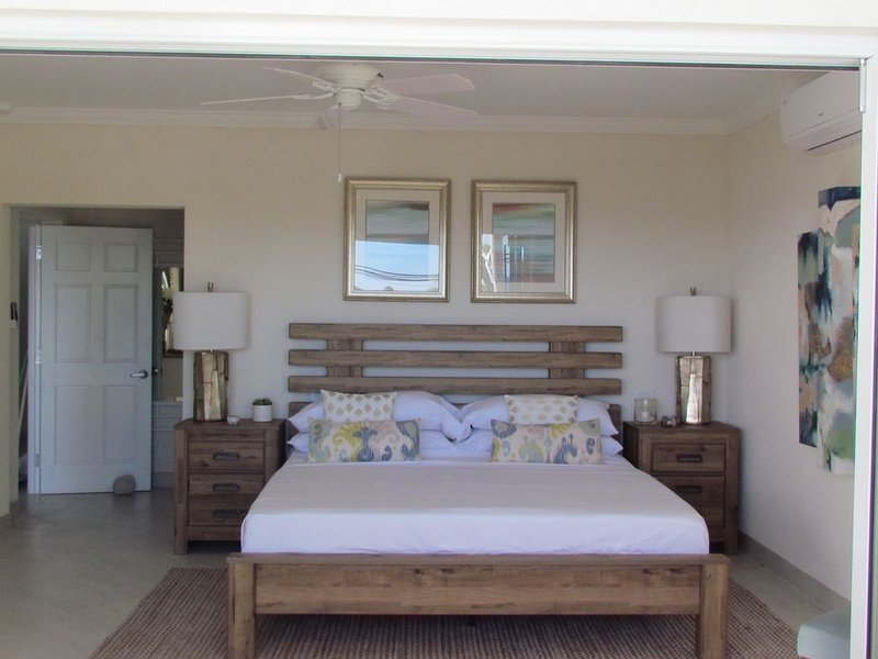 Lighthouse Bay 103- 2 Bedroom NON SMOKING, location de vacances à Maxwell