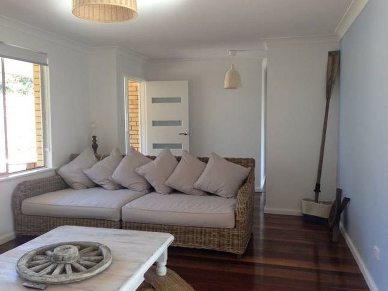Nobby's Beach House -A stones throw to beach, holiday rental in Port Macquarie