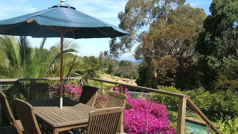 Island View Studio Red Hill - Private romantic couples retreat., holiday rental in Red Hill