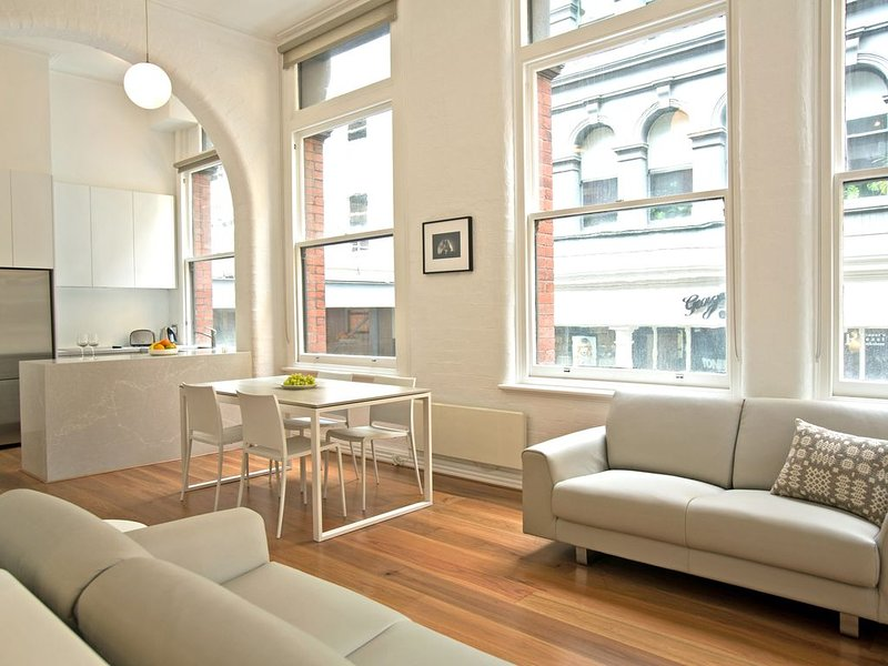 Shocko 1 - Boutique Accommodation - CBD, vacation rental in Melbourne