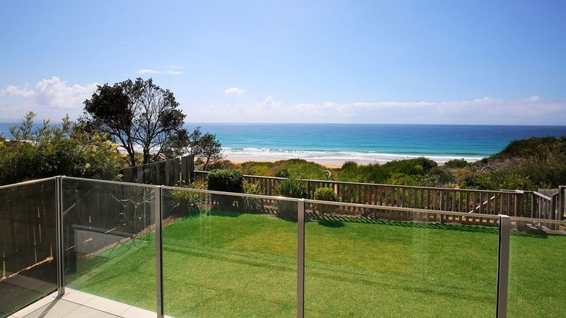 Beach Front - relaxing getaway on the beach front, holiday rental in Culburra Beach